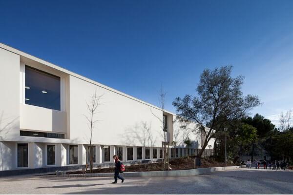Edifício de Habitação e três Escolas distinguidos com o Prémio Valmor