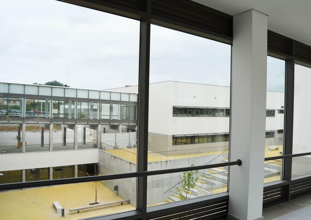 Requalificação e ampliação da Escola Básica e Secundária de Oliveira de Frades com Technal