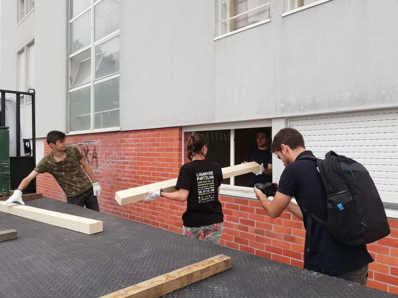 Estudantes de arquitetura constroem Casa de Brincar e Não Só…