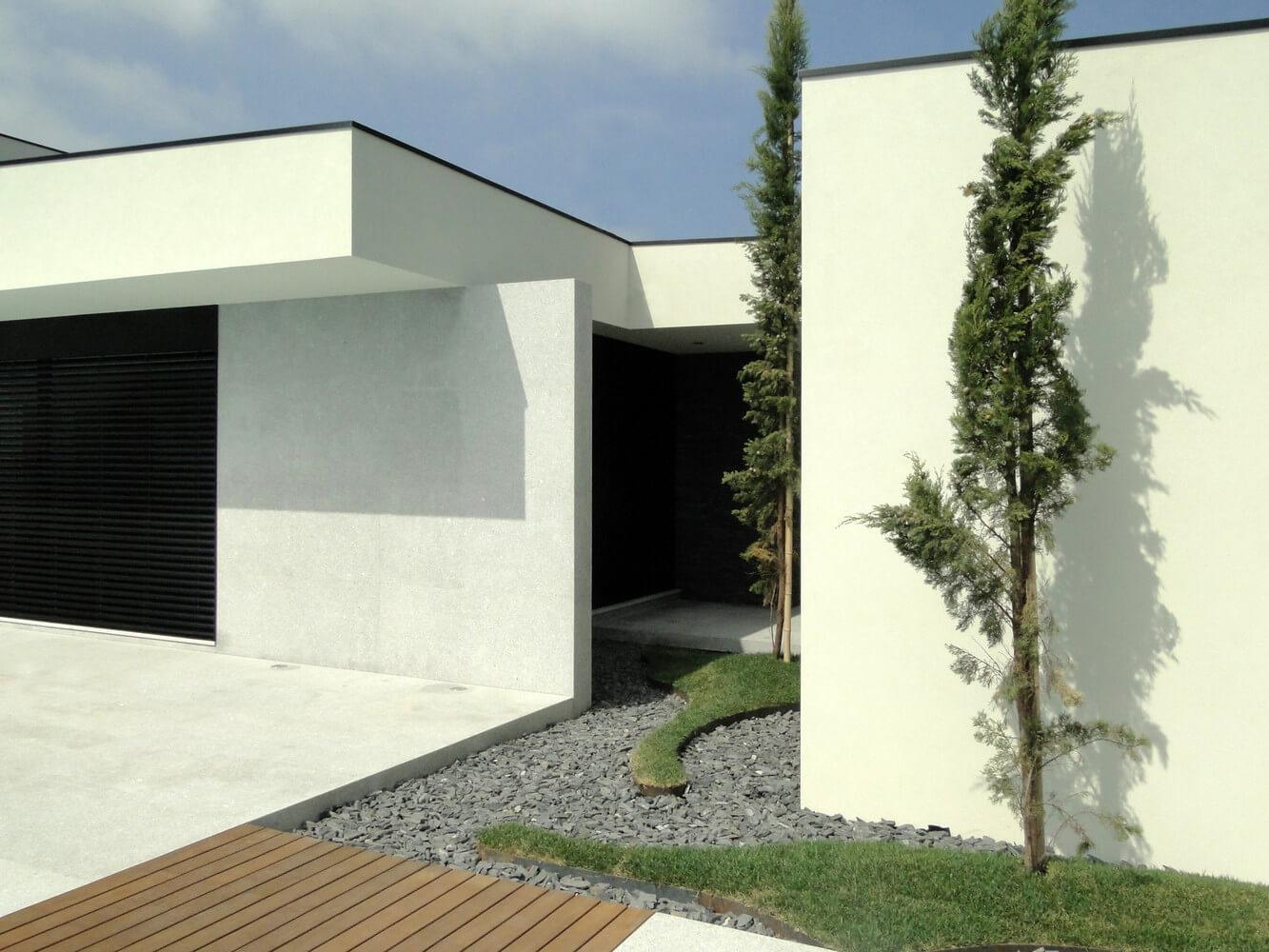Casa J. L.