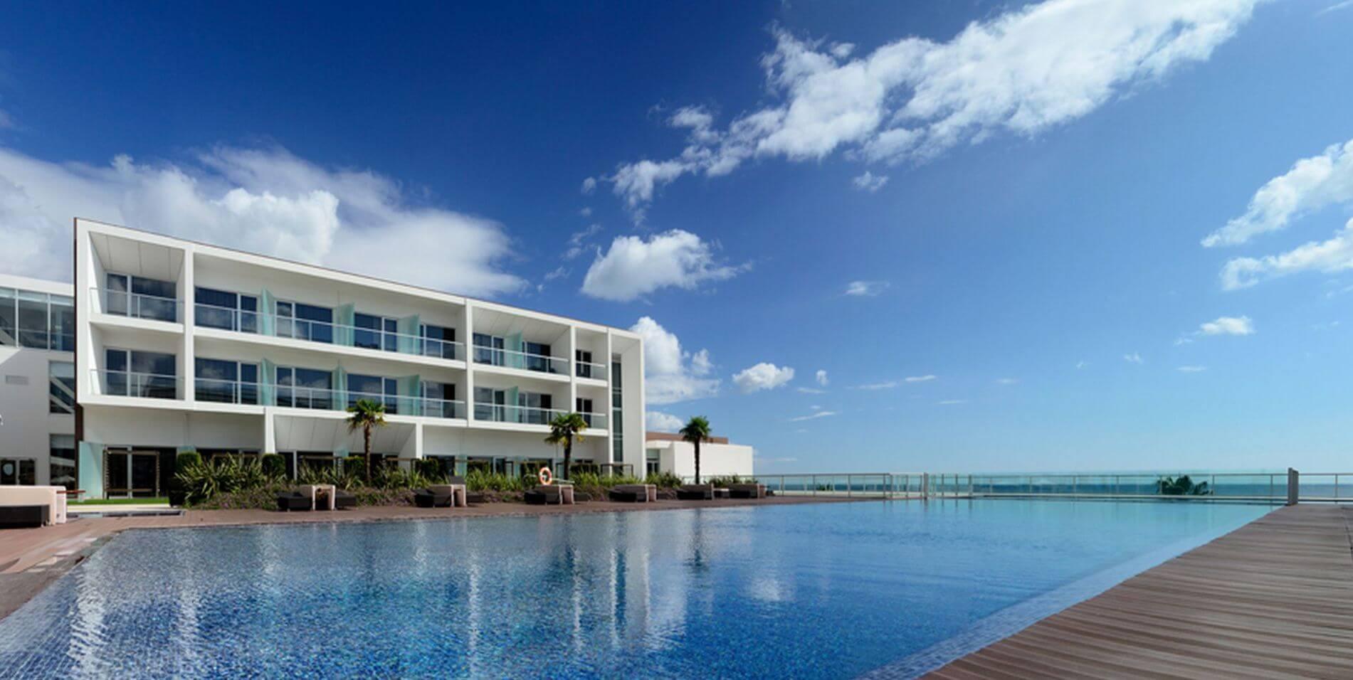 YELLOW Hotel Meia Praia