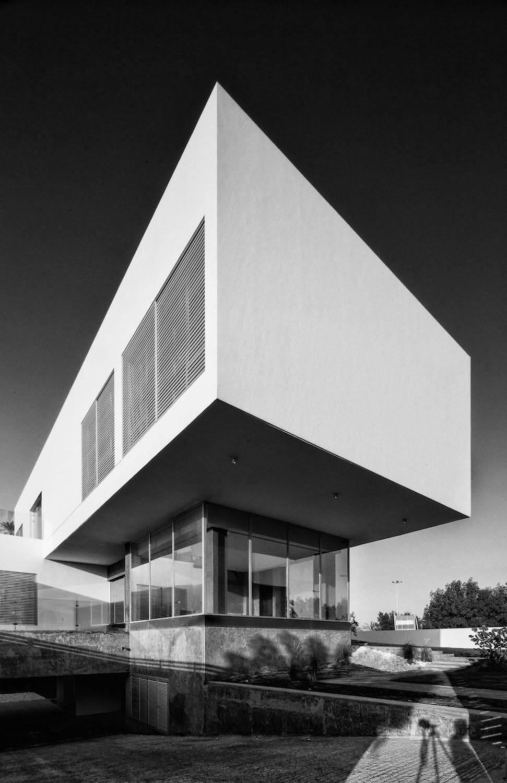 F.LOT House