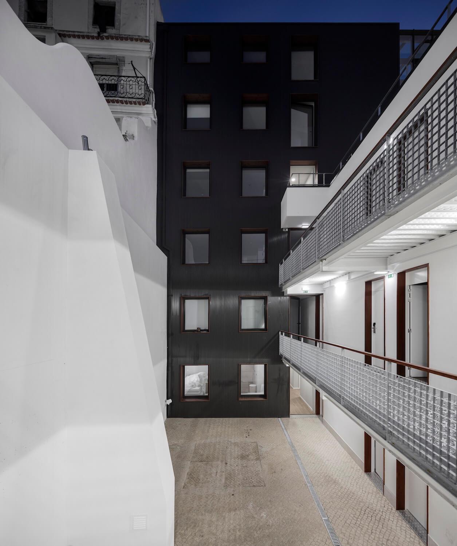 Doorm Student Housing