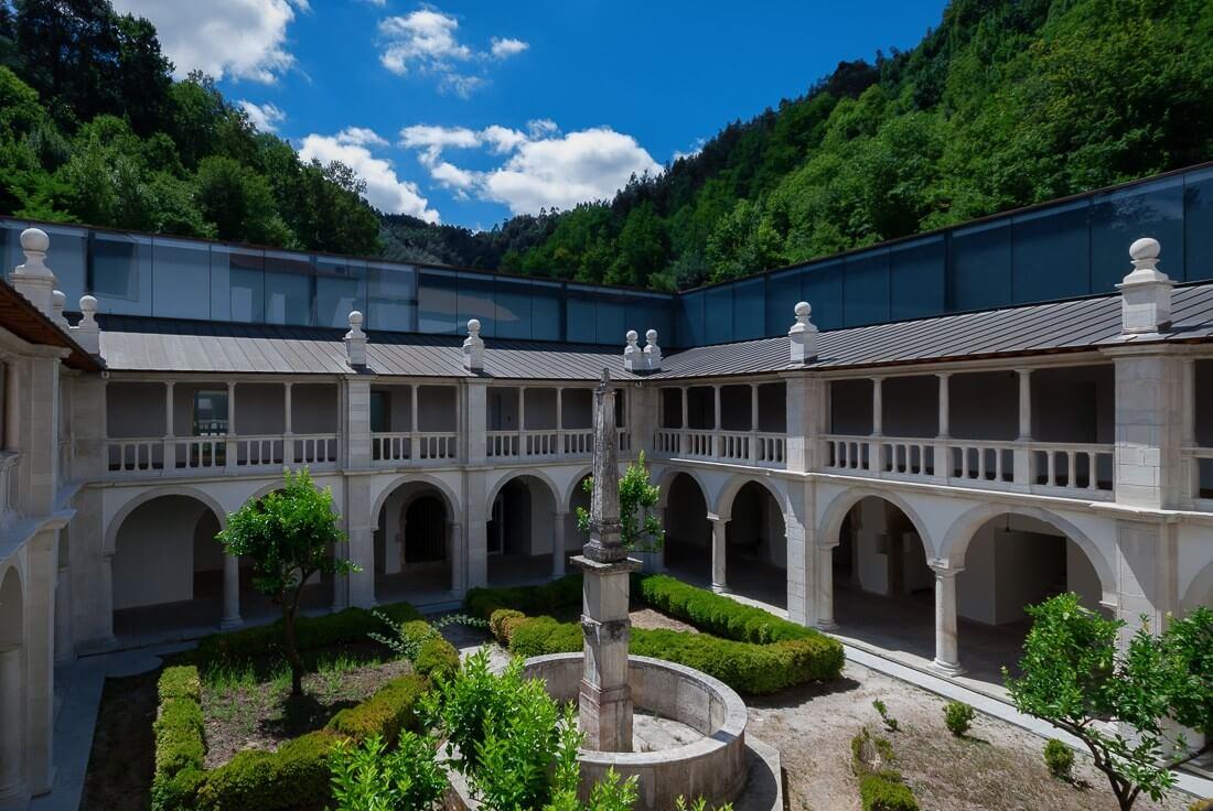 Claustro do Silêncio no Mosteiro do Lorvão
