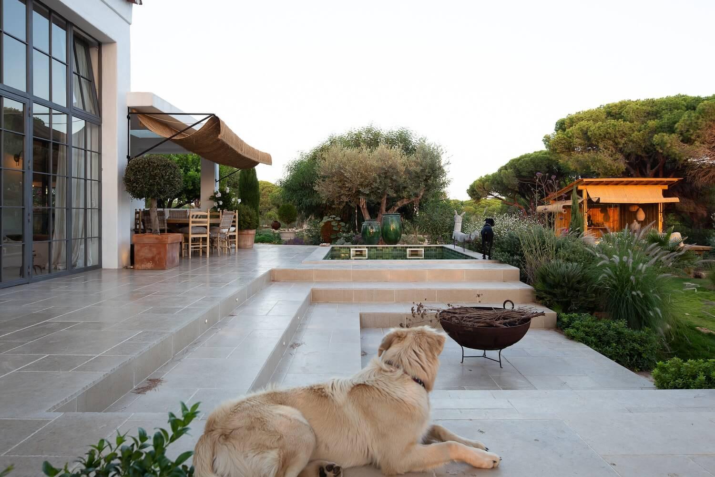Villa AH