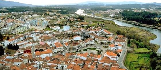 Criação e desenvolvimento de elementos escultórios para rotundas de acesso à vila de Monção