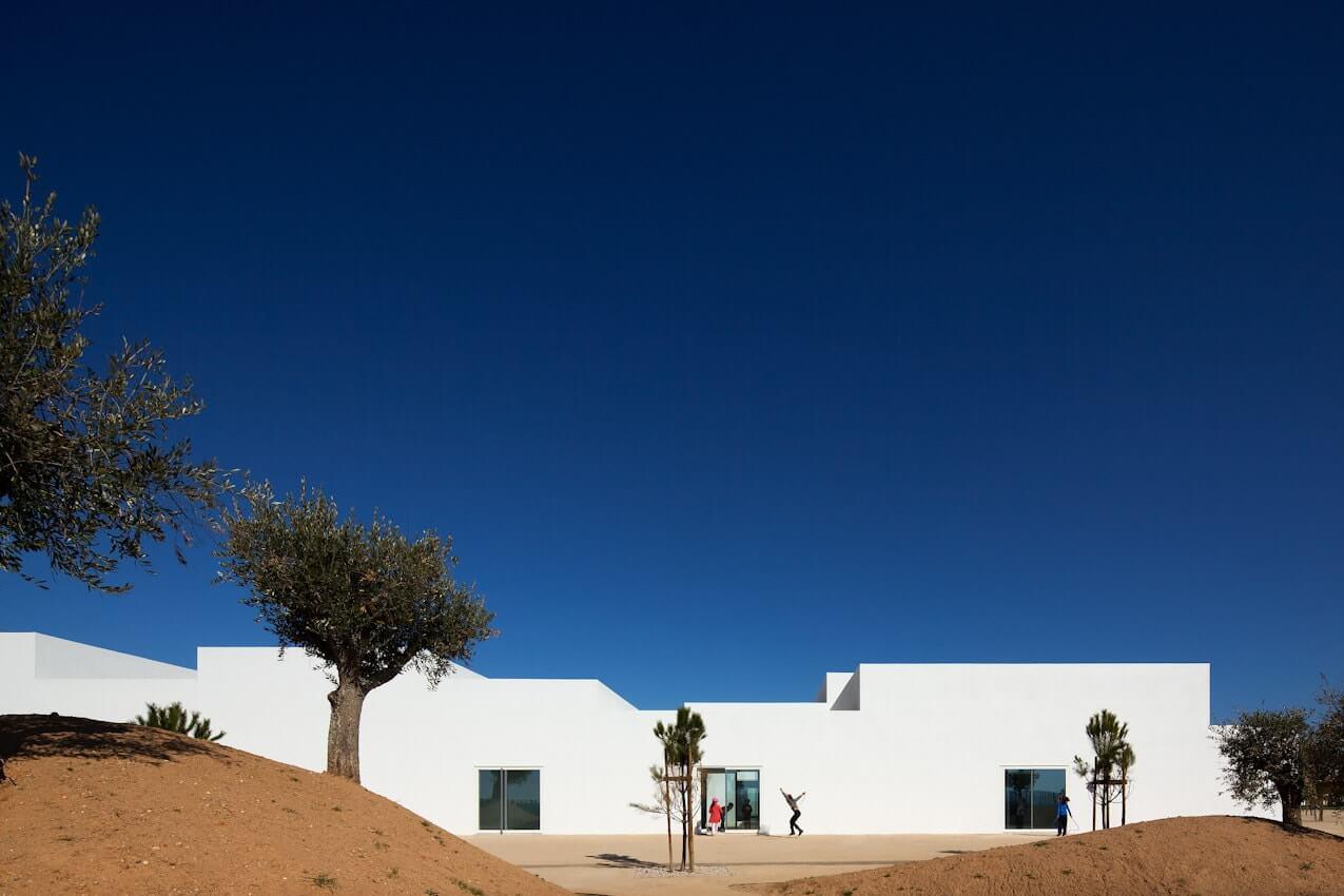 Escola na Vila Nova da Barquinha