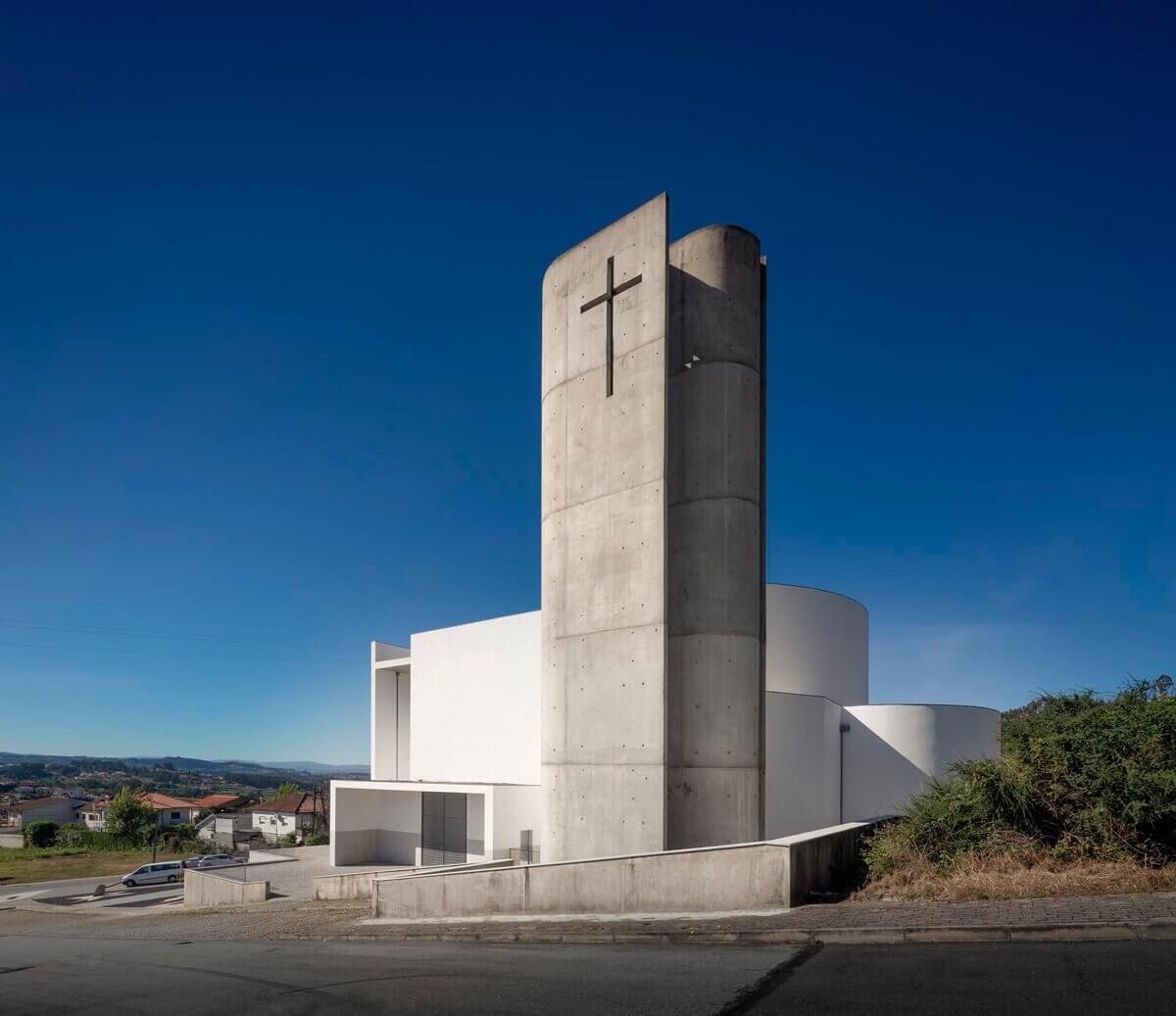Igreja de Lagares