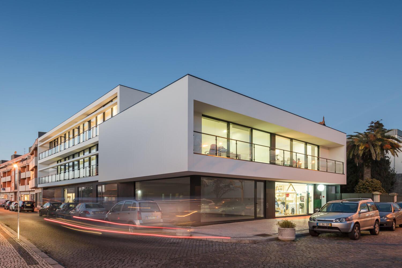 Edifício multifuncional Esposende