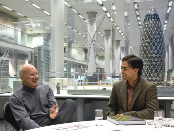 Norman Foster financia viagem para estudantes de arquitetura