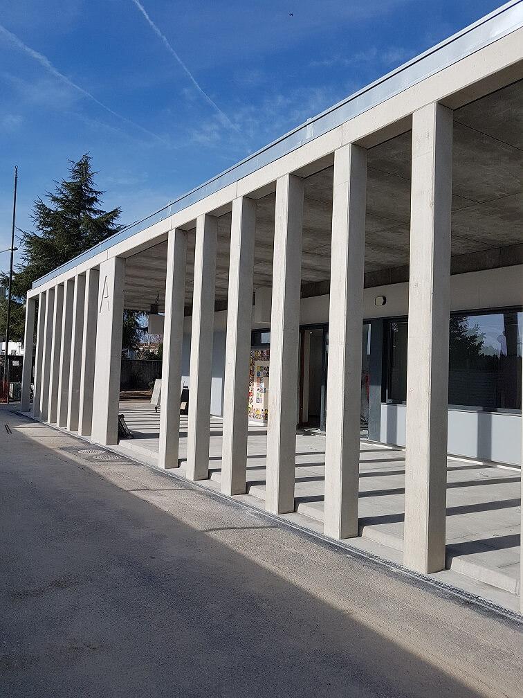 Lucios renova duas escolas na Maia