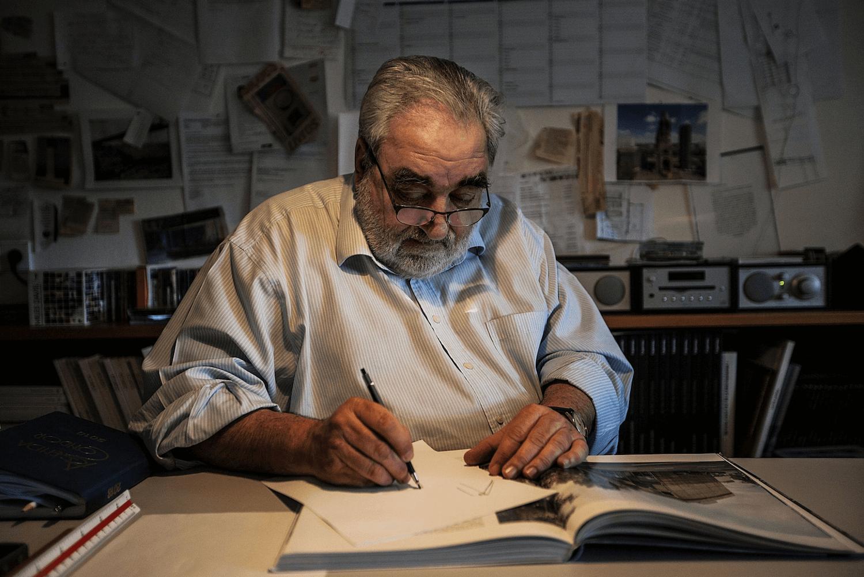 Foto ©ADRIANO MIRANDA . Arquitecto Eduardo Souto de Moura no seu atelier em 2018