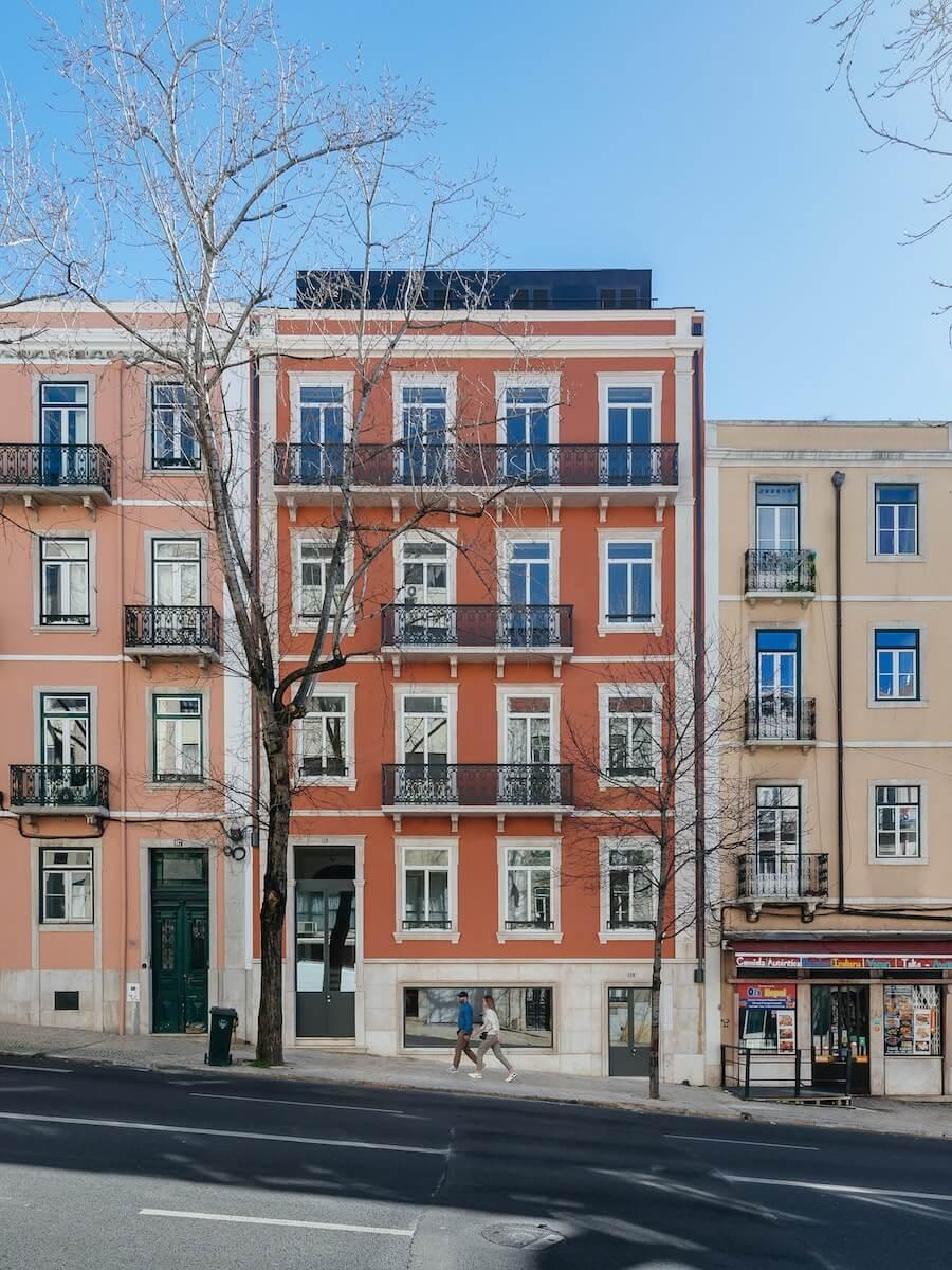 Reabilitação de prédio na Rua Conde de Redondo - Luisa Bebiano - Créditos © domalomenos