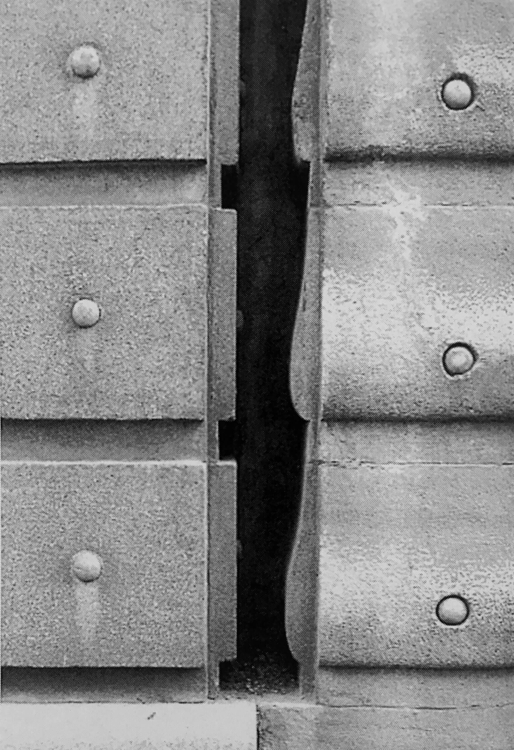 A divergência entre Otto Wagner e Gottfried Semper: uma questão de detalhes