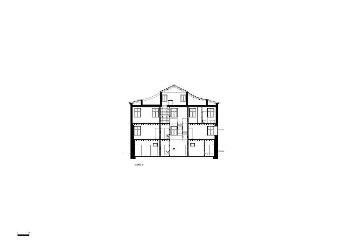 Floret Arquitectura . Golgota 11 - corte B