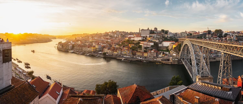 Lançado concurso público internacional para nova ponte no Douro . Créditos © Unsplash / Daniel Seßler @danielsessler