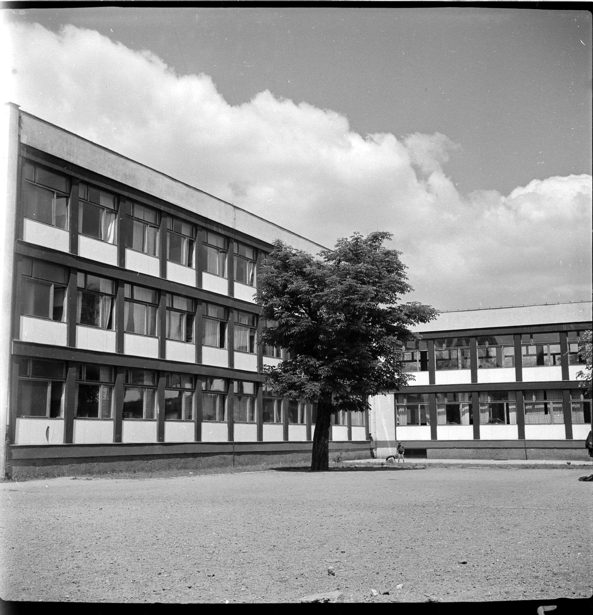 2.Szkoła Podstawowa nr 71 przy Podwalu, projekt 1955-56, realizacja 1958-60, fot. Tomasz Olszewski, zbiory Muzeum Architektury we Wrocławiu