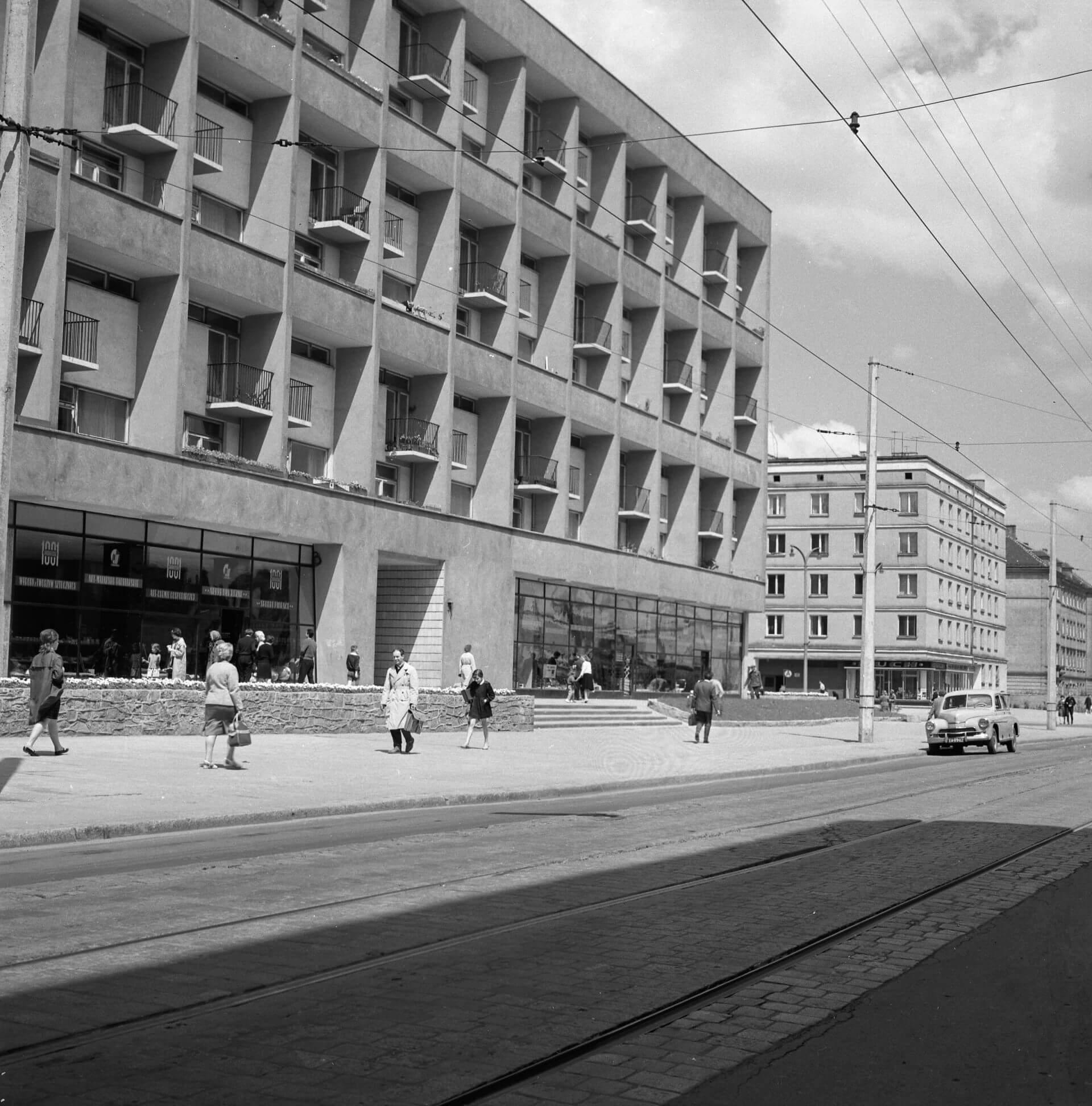 9.Galeriowiec, ul. Kołłątaja, 1962 (projekt 1956), fot. Tomasz Olszewski, zbiory: Muzeum Miejskie Wrocławia